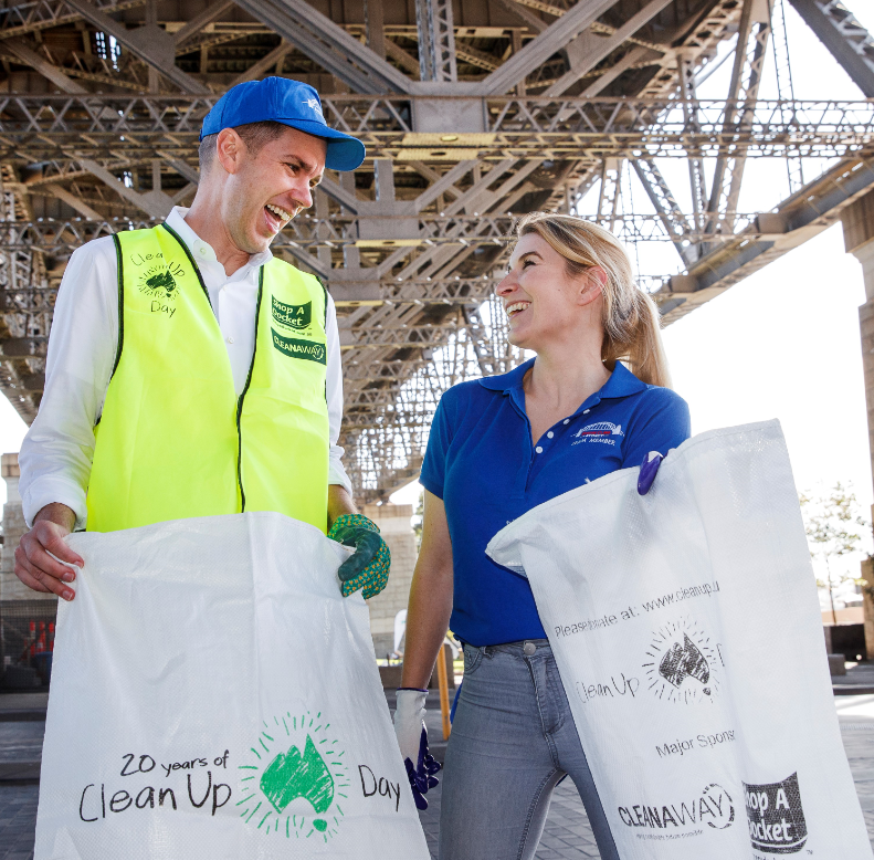 Image: Clean Up Australia volunteers